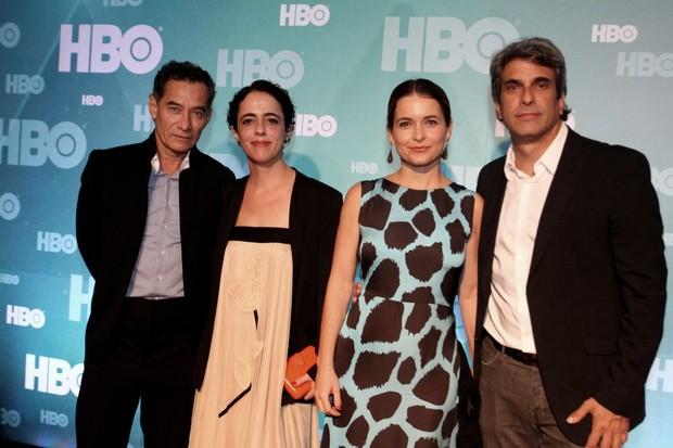 Cláudia Abreu com o marido e mais famosos vão a festa da HBO no MAM  (Foto: Anderso Borde e Marcello Sá Barretto / Agnews)