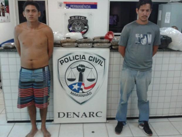 Manoel Silvano e Leandro Barbosa  foram presos em ação da polícia civil na Cidade Olímpica. (Foto: Divulgação/Denarc)