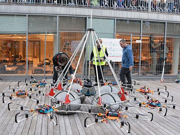 Drones usados por pesquisadores da Universidade de Oslo para entrar para o Guinness, livro dos recordes. (Foto: Divulgação/ Guinness World Records)