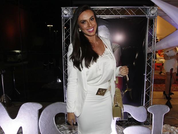 Nicole Bahls no aniversário de MC Gui em São Paulo (Foto: Celso Tavares/ EGO)
