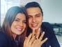 Mara Maravilha exibe aliança de noivado com músico