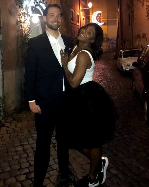 A jogadora de tênis Serena Williams com o noivo, o empresário Alexis Ohanian (Foto: Reddit)