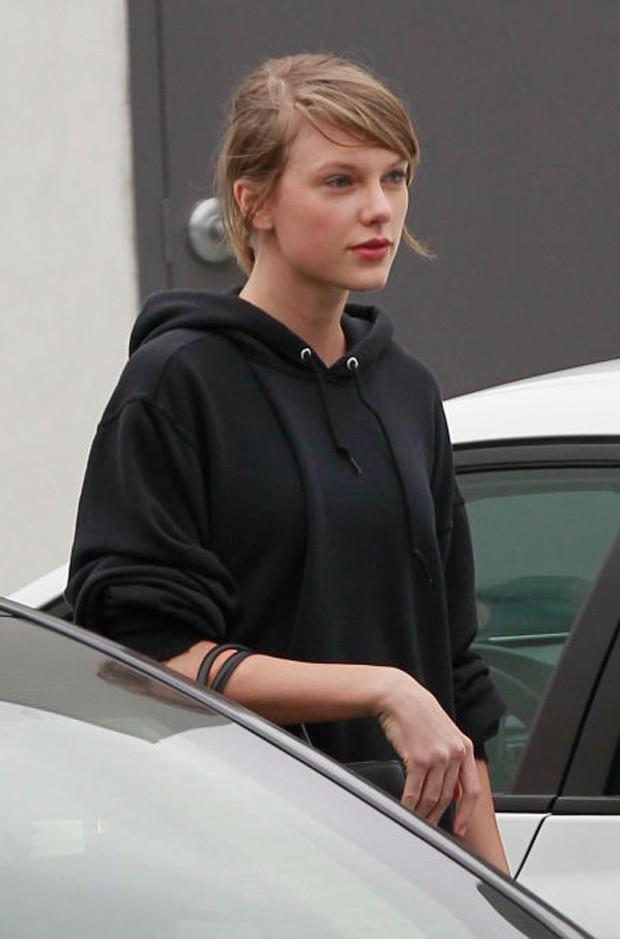 Taylor Swift sem maquiagem (Foto: Reprodução)