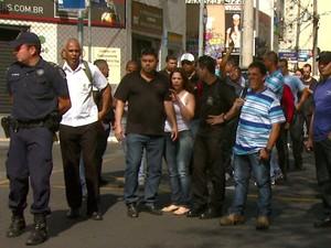 Passeata ocorreu nas principais ruas do Centro de Campinas (Foto: Reprodução/ EPTV)