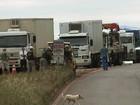 Manifestantes bloqueiam rodovia no RS e pedem retomada de obras