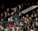 Com Torres na tribuna e dois gols de Griezmann, Atlético bate o Valencia