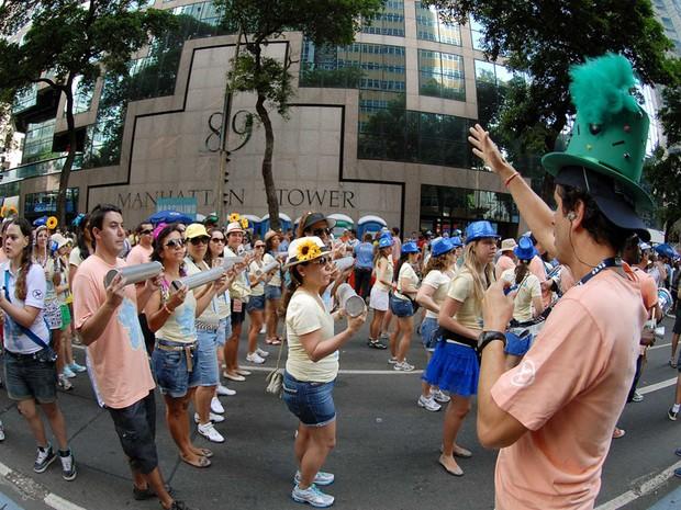 Desfile do Monobloco começou às 9h deste domingo (17) (Foto: Alexandre Durão/G1)