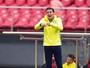 Cuca vê marcação do Palmeiras frouxa e blinda Thiago Martins