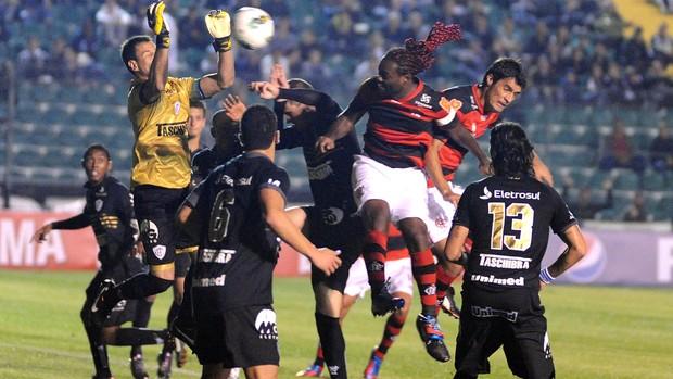 Love, Comemoração, Figueirense x Flamengo (Foto: Alexandre Vidal / Fla Imagem)