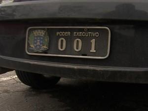 Placas oficiais (Foto: Rede Globo)