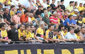 """Douglas Moreira dá dica do que fazer com R$ 10: """"Vamos lotar o estádio"""""""