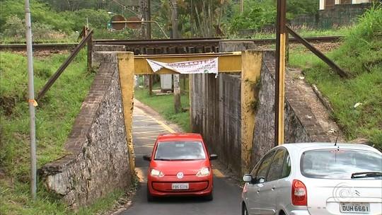 Moradores reclamam de problemas em 'bairro esquecido' de Jundiaí