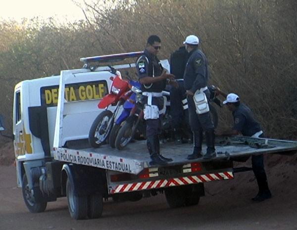 Polícias Civil e Militar aprenderam 34 motos irregulares em Serra do Mel, RN (Foto: Cedida/Degepol/RN)