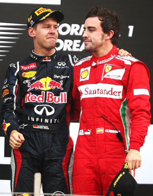 Vettel e Alonso no pódio do GP da Coreira (Foto: Getty Images)