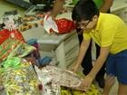 Família doa mais de 60 brinquedos para a campanha Natal Pai D'Égua