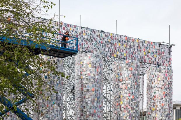 documenta Marta Minujín montagem do Panteão em Kassel com livros proibidos (Foto: Divulgação)