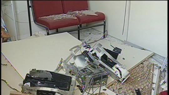 Justiça condena quatro homens que explodiram banco em Echaporã