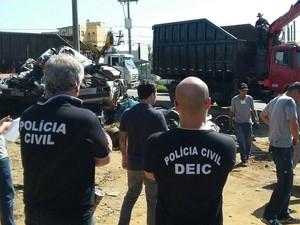 Dois homens foram presos na operação (Foto: Polícia Civil/Divulgação)