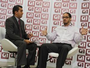 Maklandel foi entrevistado pelo jornalista Marcos Teixeira da TV Clube (Foto: Jaqueliny Siqueira/ G1)