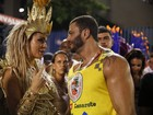 Chama o Latino! Kleber Bambam dá encarada em Mendigata no Rio