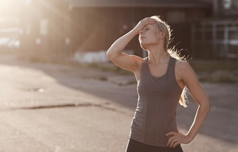 Quem se exercita pode fazer o jejum intermitente? Nutricionista tira dúvidas