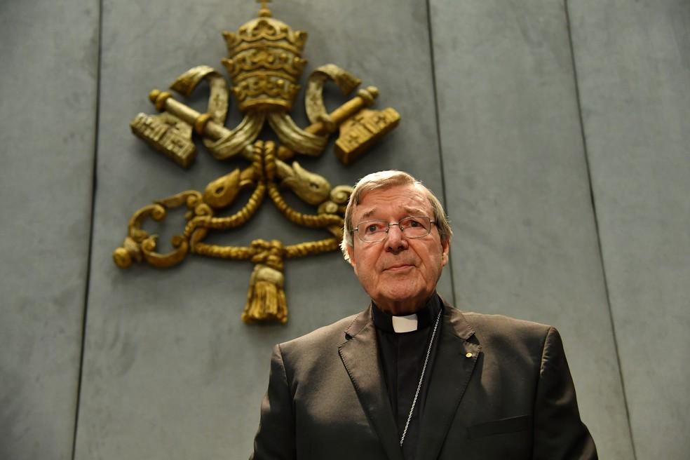 Tesoureiro do Vaticano, cardeal George Pell, é acusado de crimes sexuais (Foto: ALBERTO PIZZOLI / AFP)