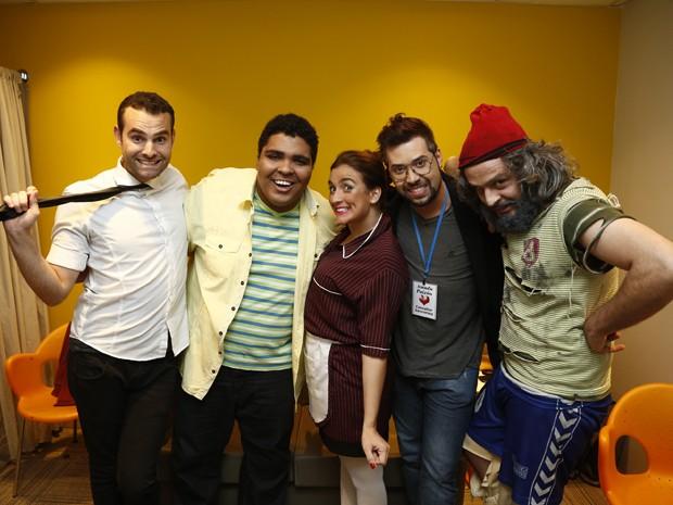 Finalistas do 'Quem Chega Lá?' nos bastidores do Domingão (Foto: Marcos Mazini)