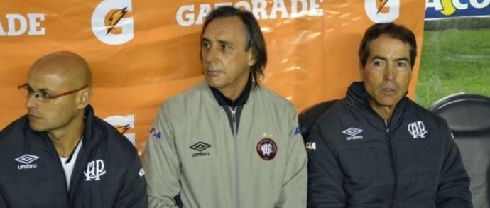 Miguel Ángel Portugal, técnico do Atlético-PR (Foto: Site oficial do Atlético-PR/Gustavo Oliveira)