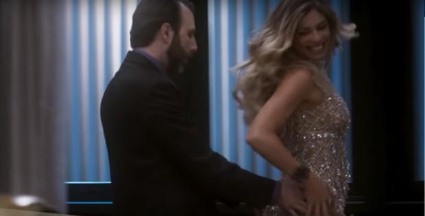 Danilo Grangheia com Grazi Massafera na novela A Lei do Amor (Foto: Reprodução/Globo)