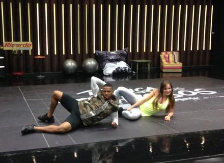 'Dança dos Famosos': Nego do Borel e Sidney Magal dão show de interpretação no ensaio do funk