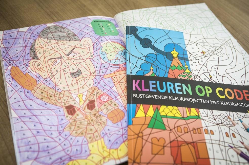 Ilustração de Hitler em livro de colorir gerou polêmica na Holanda (Foto: ALEXANDER SCHIPPERS/ANP/AFP)