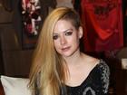 Casada há um ano, Avril Lavigne descarta filhos agora: 'No futuro'