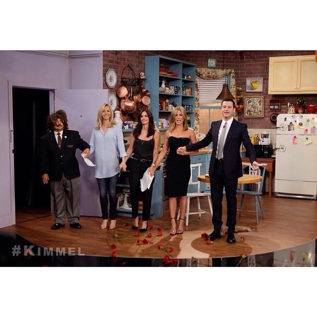 Lisa Kudrow, Courteney Cox e Jennifer Aniston em programa de TV (Foto: Instagram/ Reprodução)