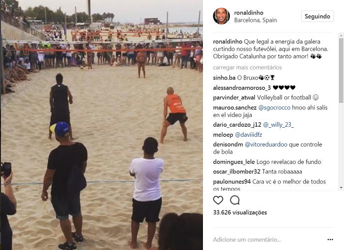 BLOG: Olha o que ele fez! Veja lance genial de Ronaldinho no futevôlei em Barcelona