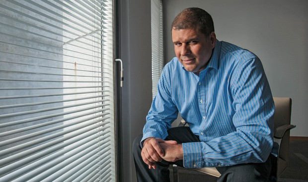"""Guilherme Cavalcanti, diretor financeiro, fortaleceu o caixa da empresa: """"Com isso, conseguimos comprar as dívidas mais caras"""" (Foto: Fabiano Accorsi)"""