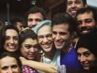 'Abraçaço'! Caetano Veloso recebe o carinho de famosos após show