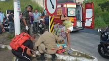 Casal é atropelado por carro em fuga da polícia (Walter Paparazzo/G1)