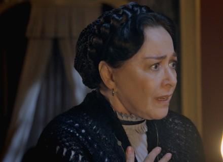 Zilda garante a Vitória que viu Bernardo no casarão