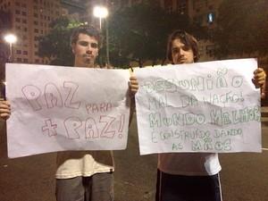 Bruno Sued (à direita) colocou culpa do confronto nos manifestantes (Foto: Priscilla Souza/G1)