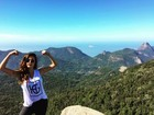 Thaila Ayala madruga para fazer trilha na Floresta da Tijuca