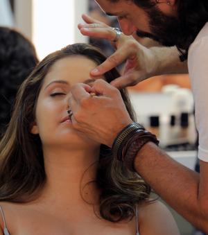 Amanda de Godoi ficando lynda pro Verão (Foto: Taís Moreno/Gshow)