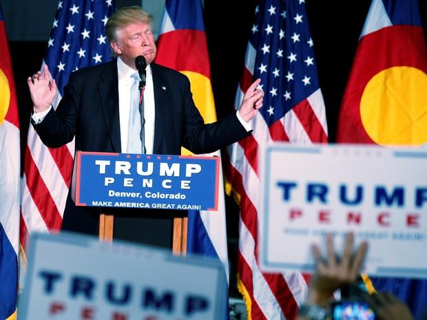 Donald Trump fala durante comício em Denver, no Colorado, nos Estados Unidos, nesta sexta (29) (Foto: Carlo Allegri/Reuters)