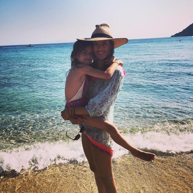 Alessandra Ambrosio com a filha (Foto: Instagram / Reprodução)