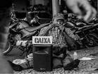 Fotógrafos tiram artistas de rua da invisibilidade em Poços de Caldas
