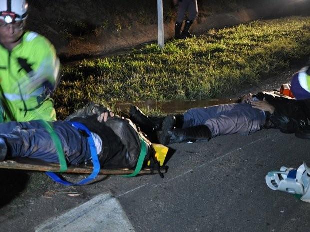 Policiais foram levados ao hospital São Camilo de Itu (SP) (Foto: Fernando de Souza/Staff News)