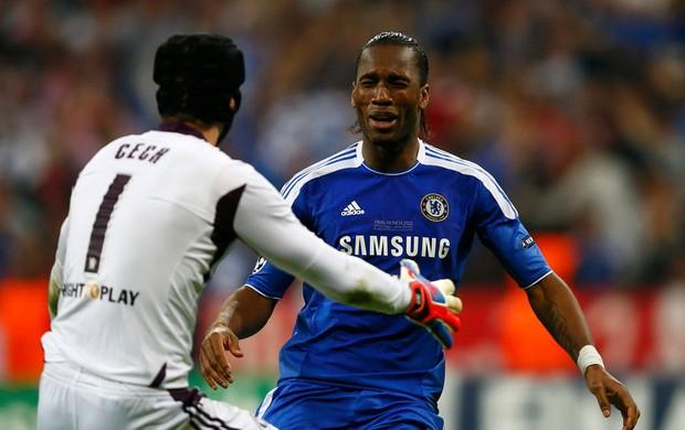 Drogba gol Chelsea (Foto: Reuters)