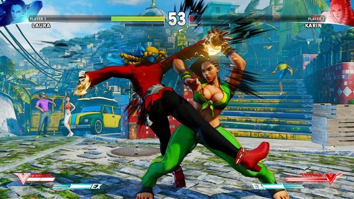 Street Fighter 5: Laura aplica seu agarrão de comando Sunset Wheel (Reprodução/Youtube)