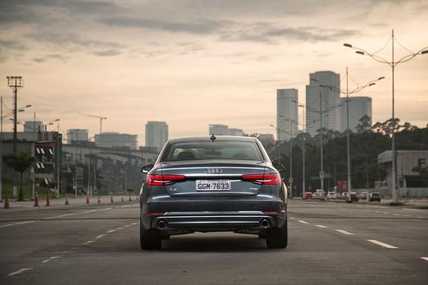 Audi A4 (Foto: Fábio Aro / Autoesporte)