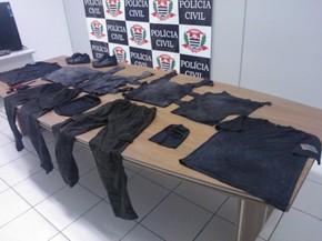Detentos usaram roupas que semelhantes ao uniforme do Grupo de Intervenção Rápida (GIR) da Secretaria da Administração Penitenciária do Estado de São Paulo (SAP) (Foto: Murilo Zara/TV Fronteira)