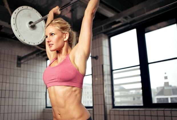 Há um melhor horário para fazer exercícios físicos? Personal de Sabrina Sato dá dicas